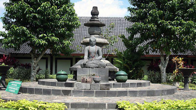 The Unfinished Buddha saat ini ditempatkan di Museum Karmawibhangga (Wikipedia/Creative Commons)