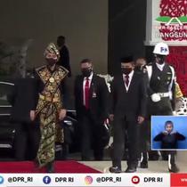 Jokowi menggunakan baju adat NTT saat menghadiri Sidang Tahunan MPR. (Istimewa)