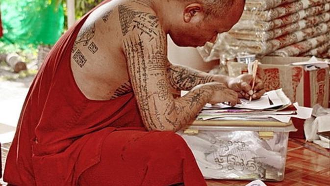 Tato Keren Para Biksu Thailand Yang Bakal Bikin Kamu Iri Viral Bintang Com