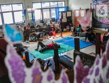 Gedung Sekolah dijadikan Tempat Pengungsi Banjir Kampung Melayu
