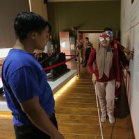 """Bagaimana rasanya menjadi orang buta? Semuanya terjawab dengan mengikuti """"Blind Adventure"""". (Fimela.com/Deki Prayoga)"""
