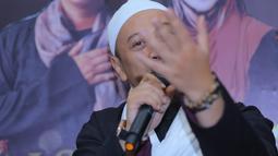 Menurut Ina Rachman, pengacara Dian menirukan kliennya saat menelpon. Opick minta izin untuk menggunakan kamar utamanya dengan istri barunya. (Adrian Putra/Bintang.com)