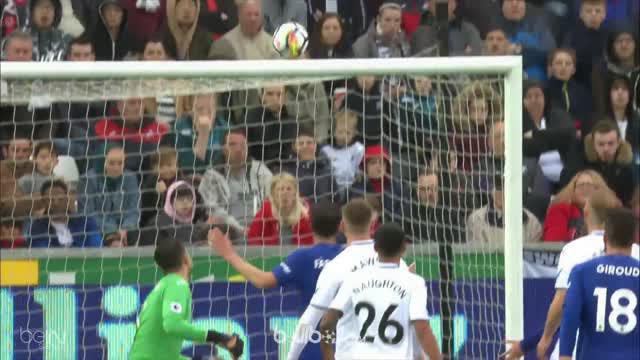Chelsea menjaga asa masuk zona Liga Champions selepas menang susah payah di kandang Swansea, Sabtu (28/4) dalam lanjutan Liga Ingg...