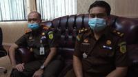 Kejari Pohuwato bersama Oknum Jaksa SR saat meminta maaf di depan awak media foto:Istimewa (Arfandi Ibrahim/Liputan6.com)