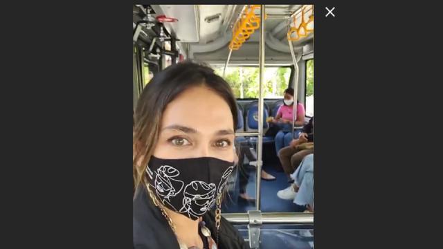 Luna Maya Terharu Pertama Kali Naik Bus di Bali