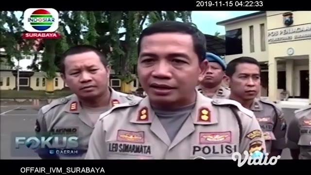 Pengamanan di Markas Polrestabes Surabaya yang sempat menjadi sasaran teror bom bunuh diri pada Mei 2018 silam, lebih diperketat pasca ledakan bom bunuh diri di Polrestabes Medan, Rabu pagi.