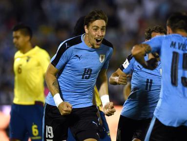 Uruguay menghempaskan tamunya Ekuador, 2-1, dalam laga Kualifikasi Piala Dunia 2018 di Montevideo, Jumat (11/11/2016) pagi WIB. (AFP/Pablo Porciuncula Brune)