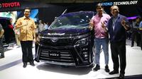 Toyota Voxy meluncur di GIIAS 2017, ICE, BSD, Tangerang Selatan. (Herdi Muhardi)