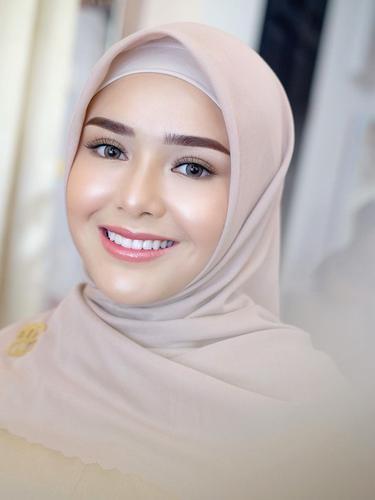 6 Pemotretan Terbaru Amanda Manopo dengan Hijab, Tampil Anggun Pakai Gamis