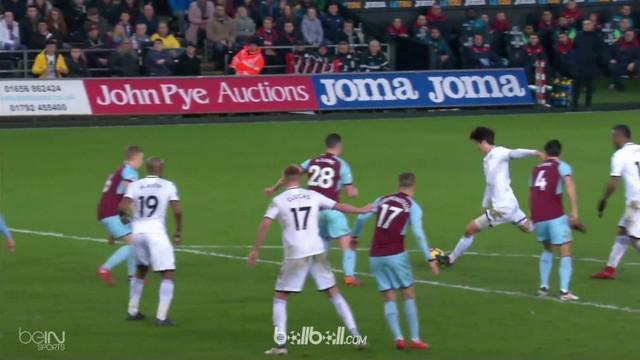 Swansea memetik kemenangan berharga di kandang sendiri seusai menekuk Burnley 1-0, Sabtu (10/2) dalam lanjutan Liga Inggris pekan ...