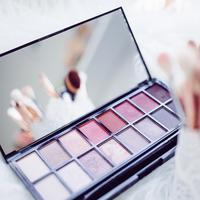 Ilustrasi makeup (dok. Pexels.com/Putu Elmira)