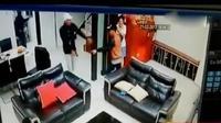 Kepolisian daerah Kepri ringkus tersangka penculikan Ling ling warga Malaysia. Sementara itu, dua WNA asal China ditahan Imigrasi Padang.