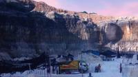 Tambang batu kapur di Sekapuk Gresik. (Dian Kurniawan/Liputan6.com)