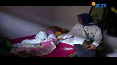 Kurus, pucat, dan kurang gizi, begitulah gambaran kondisi ketiga anak yang disekap ibu kandungnya sendiri di Malang, Jawa Timur.