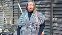 Gaya busana trendi nan nyaman diperkirakan jadi tren fashion 2019. (dok. Instagram @eloquii/https://www.instagram.com/p/BpKuVy0F0T5/Asnida Riani)