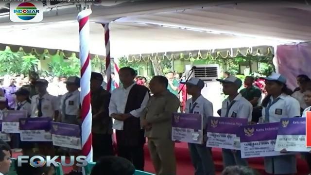 Jokowi dengan tegas menyatakan akan mencabut KIP jika digunakan untuk beli pulsa, bukan untuk keperluan sekolah.