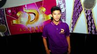 Kontestan D'Academy, Zahdan, tak asing dengan panggung dangdut. Ia pun pernah mendapat bayaran murah saat manggung pertama kali.