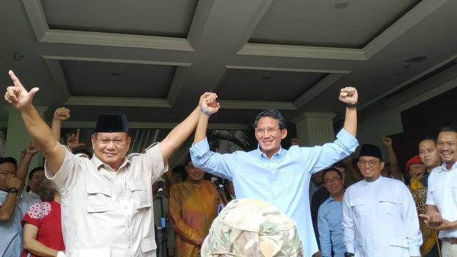 Capres Prabowo Subianto Dan Cawapres Sandiaga Uno Pidato Di Rumah Kertanegara Jakarta Selasa