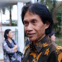 Foto Pemakaman Jenazah Pepeng (Galih W. Satria/bintang.com)