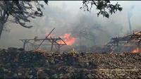 Foto: Rumah adat di Kabupaten Lembata, NTT ludes dilalap api (Liputan6.com/Dion)