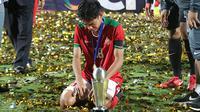 Brylian Negiehta Dwiki Aldama menangis setelah Timnas Indonesia U-16 memastikan gelar juara Piala AFF U-16 2018. (Bola.com/Aditya Wany)