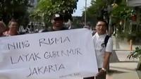 Komunitas 'Rek Ayo Rek' menyatakan harapan agar warga Surabaya bersedia melepas Risma untuk memimpin Jakarta.