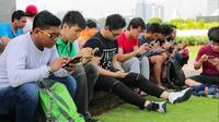 Sejumlah orang berkumpul di Monas untuk bermain Pokemon GO (Liputan6.com/Mochamad Khadafi)