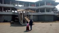 Gedung PKL di Babakan, Pajagalan, Garut, Jawa Barat nampak kosong (Liputan6.com/Jayadi Supriadin)