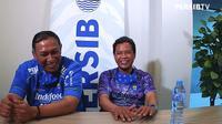 Dua penggawa Persib Bandung era 1990-an, Asep Somantri dan Anwar Sanusi. (Dok. Tangkapan layar/YouTube Persib TV)