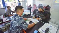 PT Bank Rakyat Indonesia (Persero) Tbk melakukan penyesuaian jam layanan operasional kepada nasabah khusus bulan Ramadan tahun 2021.