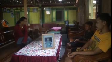 Kondisi rumah ibu Kopda Maryono masih sepi paska keluarga ke Surabaya menunggu info pencarian KRI Nanggala 402. (Foto: Liputan6.com/Felek Wahyu)