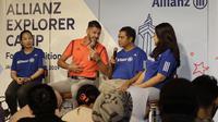 Legenda Bayern Munchen, Martin Demichelis, memberikan keterangan saat jumpa pers di Kawasan Kuningan, Jakarta, Senin (24/6/2019). Delapan anak Indonesia terpilih untuk mengikuti Allianz Explorer Camp 2019 di Jerman dan Singapura. (Bola.com/M Iqbal Ichsan)