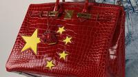 Hermes Birkin berbendera China dijual dengan harga selangit (Dok.Instagram/@xiongsuqin/https://www.instagram.com/p/B1G2NhVozp4/Komarudin)