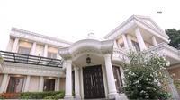 Rumah Anang dan Ashanty yang megah bakal dijual. (Sumber: YouTube/SarahSechanNet)
