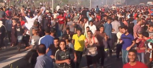 Serangan rudal Israel menewaskan dua warga Palestina yang tengah berdemo di perbatasan Gaza.