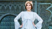 Presenter sekaligus pemeran Ayu Dewi melebarkan ke dunia bisnis. Ia berkolaborasi dengan temannya Luna Maya. Ia menawarkan busana untuk ibu hamil. (Adrian Putra/Bintang.com)