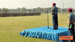 Danpasmar-1 memimpin apel Khusus dilapangan sepak bola Brigif-1 Marinir Gedangan Sidoarjo, Kamis (25/8).