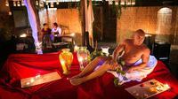 Restoran telanjang ini menyuguhkan pengalaman bersantap yang unik, yang dinggap hanya terjadi di negeri dongeng dan di alam mimpi