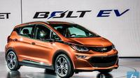 Chevrolet Bolt EV jadi Green Car of the Year.