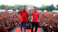 Pasangan calon Gubernur dan Wakil Gubernur Sulawesi Utara Olly Dondokambey-Steven Kandouw dalam kampanye terakhir di Kota Manado, Sabtu (5/12/2015).