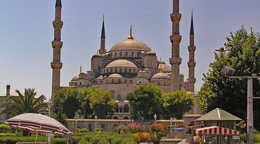 Masjid Biru sebagai salah satu wisata di Turki.