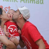 Raffi Ahmad, Nagita Slavina, dan Rafathar. (Andy Masela/Bintang.com)