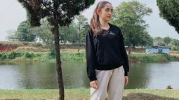 Penampilan Natalie Zenn satu ini pun cukup mencuri perhatian netizen. wanita kelahiran 24 Desember 1999 ini pun sering terlihat tampil dengan makeup natural. (Liputan6.com/IG/@nataliezenn24)