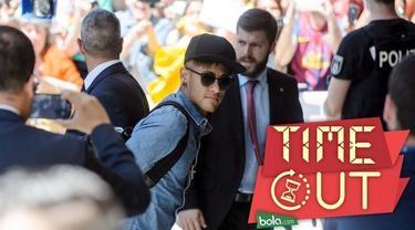 Striker Barcelona, Neymar, bakal tetap menjalani persidangan kasus pajak pada 2 Februari mendatang setelah permintaan kuasa hukum Blaugrana ditolak Kejaksaan Tinggi Spanyol.