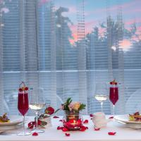 The Ritz-Carlton Jakarta, Mega Kuningan menghadirkan konsep makan malam romantis di hari Valentine (Foto: The Ritz-Carlton Jakarta, Mega Kuningan)