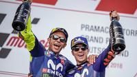 Bos Yamaha, Massimo Meregalli, lega kedua pebalapnya, Valentino Rossi dan Maverick Vinales mampu meraih podium kedua dan ketiga di MotoGP Jerman 2018. (Instagram/@yamahamotogp)