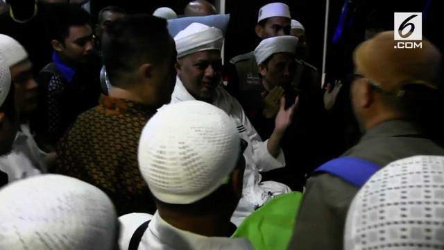 Arifin Ilham diterbangkan ke Penang, Malaysia untuk menjalani pengobatan intensif.