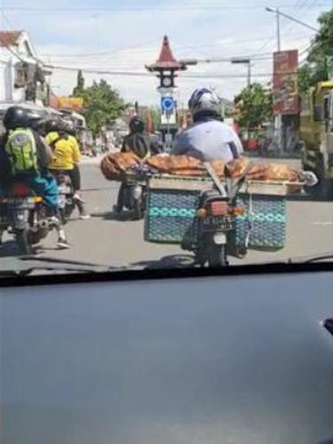 Viral Pengendara Sepeda Motor Bawa Jenazah di Jalanan Boyolali, Ini 4 Faktanya