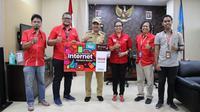 Foto: Pihak Telkomsel saat beraudiens dengan Wali Kota Kupang (Liputan6.com/Ola Keda)