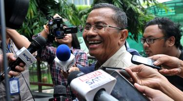 Senyum Dahlan Iskan Seusai Diperiksa Kasus Korupsi